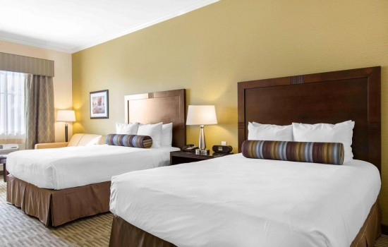 The Oaks Hotel & Suites: 2 Queen Beds