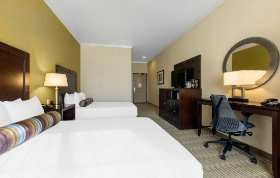 Welcome To The Oaks Hotel & Suites - Accessible 2 Queen