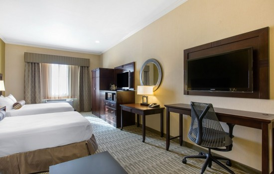Welcome To The Oaks Hotel & Suites - Accessible 2 Queen Suite