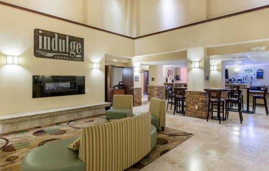 Welcome To The Oaks Hotel & Suites - Lobby Seating