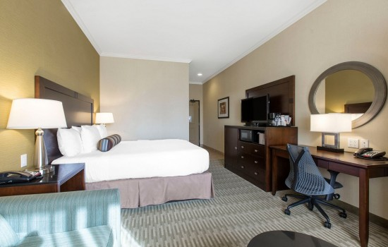 Welcome To The Oaks Hotel & Suites - King Suite